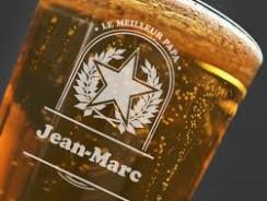 Un verre à bière personnalisé